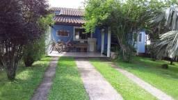Linda casa de condomínio em Guapimirim