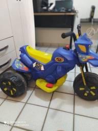 Vendo Mini Moto Elétrica Infantil XT3 2 Marchas 6V - Bandeirante em perfeito estado