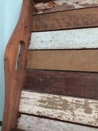 Bandeja de madeira rústica, feita na Indonésia
