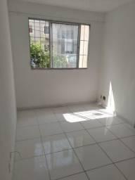 Alugo Apartamento no Cond Estação Zona Norte - Roma - 900,00