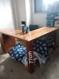 Vende-se escrivaninha