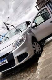 Alugo Renault Sandero 1.0