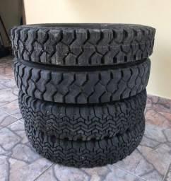 Vendo jogo de pneus 5.60 aro 15
