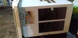 Vendo esse ar-condicionado gelando super bem 110v /7,500btus