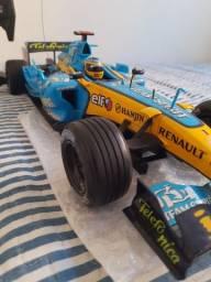Carro F1 de controle remoto ( Equipe Renault)