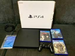 PS4 semi novo na caixa impecavel