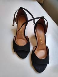Sapato de salto 36