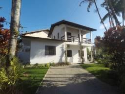 Casa para 6 pessoas -R$380/diária - 100 metros da Praia da Cachoeira!