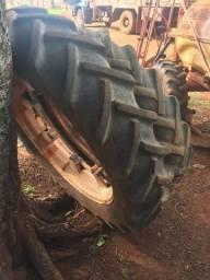 Rodas e pneus 12.4-38