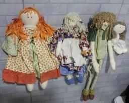 As 4 bonecas de pano para decoração de quarto ou festas