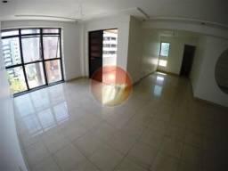 Excelente apartamento com 03 suítes, 02 vagas de garagem e área de lazer na Ponta Verde.