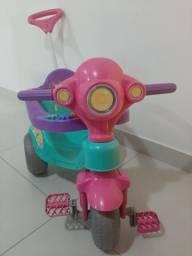 Carrinho de passeio infantil - Triciclo Calesita