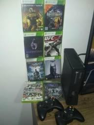 Xbox 360 com 2 controles 4gb travado original