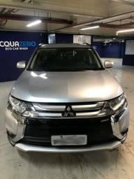Mitsubishi Outlander 3.0 4WD (7 lugares) - 2016