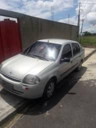 Vendo excelente Renault Clio sedan. RN 1.0 16v - 2001