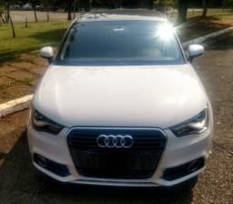 Audi A1 sportback 1.4 baixo Km