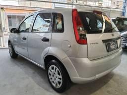 Ford Fiesta Hatch 1.0 com Kit gas 5 geração