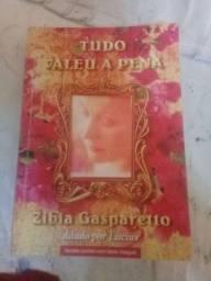 Livro Tudo Valeu A Pena de Zibia Gasparetto