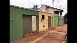 Casa para venda tem 180 metros quadrados com 2 quartos em Jardim São José - Goiânia - GO