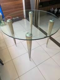 Conjunto de mesa redonda e 4 cadeiras