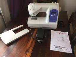 Máquina de costura eletrônica Singer Starlet 6680