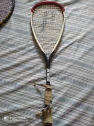 Raquetes de tênis em bom estados , sendo uma com os detalhes que está na fotos !!
