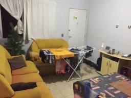 Quarto em apartamento no Sítio Cercado