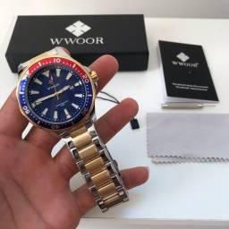Relógio Wwoor Oficial a prova d água, aço inoxidável, marca data , vidro mineral .