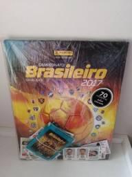 Álbum capa dura Campeonato Brasileiro 2017 + 70 figurinhas