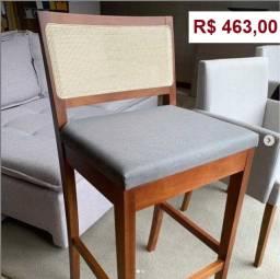 Banquetas Altas e Cadeiras