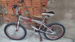 Bicicleta, conservada.
