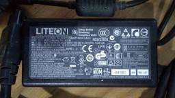 Carregador de notebook Acer original.