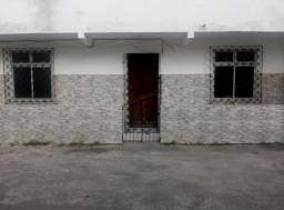 Casa térrea em Itapuã