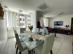 Apartamento no Jaraguá, 3 quartos sendo uma suite , com armários.