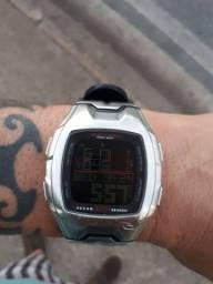 Relógio rip curl A1026 rincon tábua d maré.