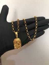 Corrente e pingente feito de moedas antigas <br>
