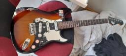 Guitarra e amplificador sheldon