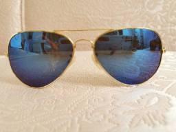 Óculos de sol feminino usado