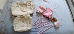 Kit de bolsas (leva de graça junto cabides e lote de roupa