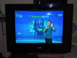 Vendo tv toshiba 29 polegadas imagem boa ta na parabólica