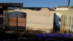 Casa em Pindamonhangaba,2 dorms,Sala, Cozinha, Banheiro, Garagem e amplo Quintal