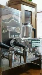 Cafeteira inox 3 litros ( usada)