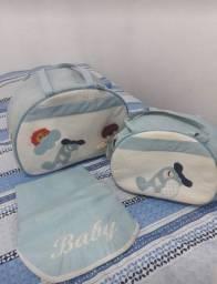 Vende _se duas bolsas infantil ,uma grande e a média.