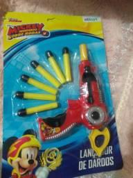Pistola atira dardos Mickey mouse