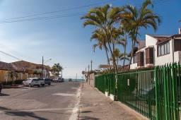 Apartamento reformado a 20 metros do mar, no centrinho de Canasvieiras Sc ate 5 pessoas