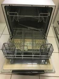 Lava louças Linha Prata Brastemp 8 serviços