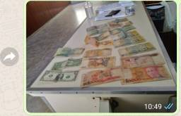 Dinheiro antigo p colecionador tem 2 dola no meio