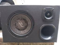 Vende-se caixa de som de carro em perfeito  estado por 300 à vista