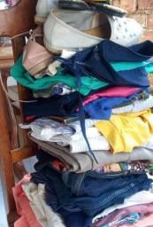 Vende-se um lote de roupas $70