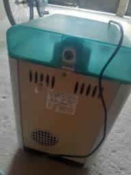 Vendo purificador de água com defeito